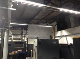 LED Beleuchtung zieht in der Industrie ein. Ein Kompressorraum ist mit neuen Leuchten ausgestattet worden. Fragen Sie uns, wir zeigen Ihnen wie es vorher aussah.